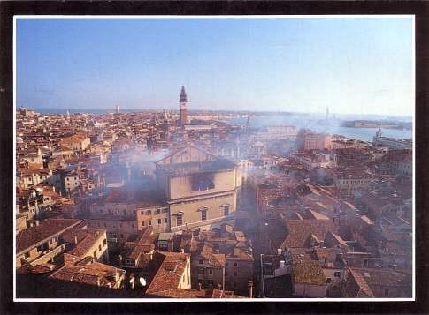Una trama conspirativa une los incendios de La Fenice y del Liceo en una novela.